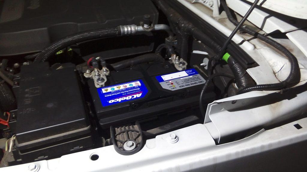 ジープラングラーの出張バッテリー交換