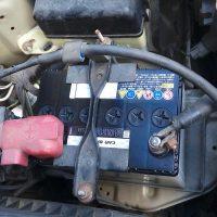 トヨタファンカーゴのバッテリー交換