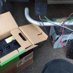 トラックのバッテリー交換